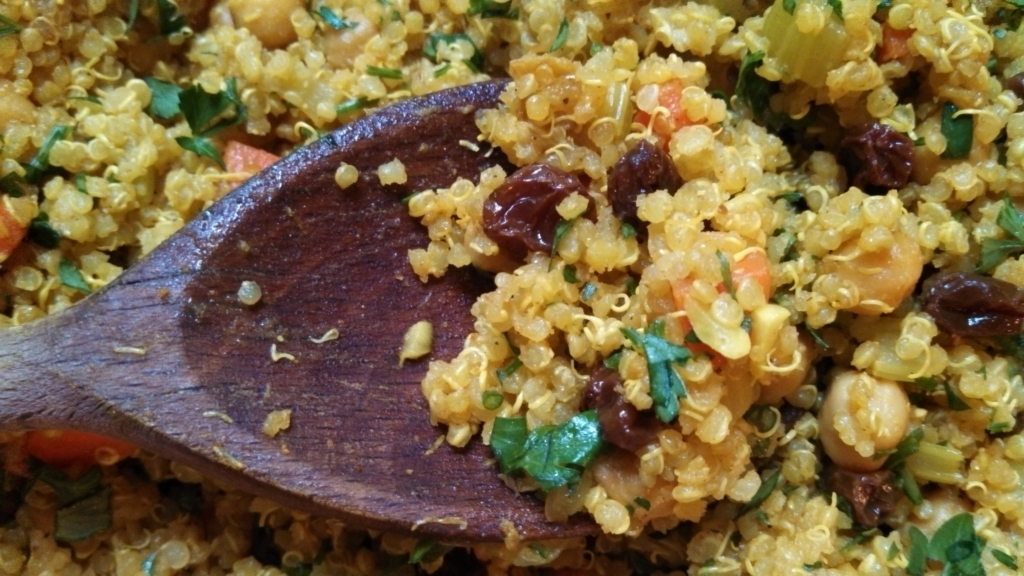 Curried Quinoa Salad with Raisins and Chickpeas